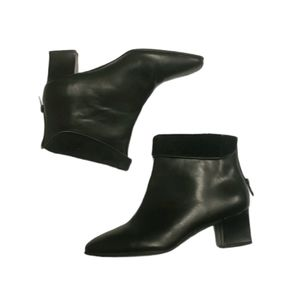Naturalizer Chic Black Leather Heeled Ankle Boots